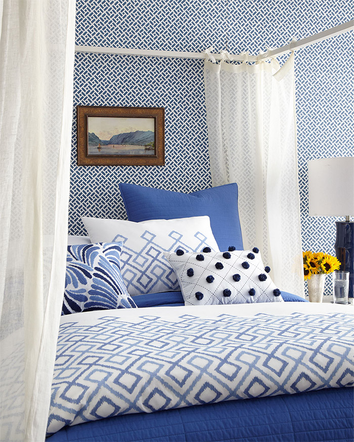 dransfield-and-ross-blue-and-white-bedding
